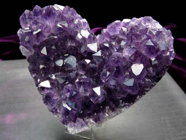 4A アメジスト ハート型クラスター 最大幅約81mm 重さ263g 極上 美麗パープル&美結晶 愛の守護石 紫水晶 1点物 ウルグアイ産