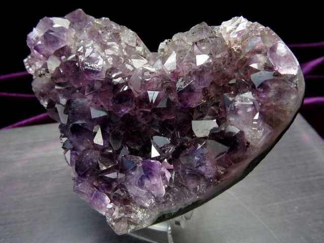 4A アメジスト ハート型クラスター 最大幅約83mm 重さ201g 極上 美麗パープル&美結晶 愛の守護石 紫水晶 1点物 ウルグアイ産