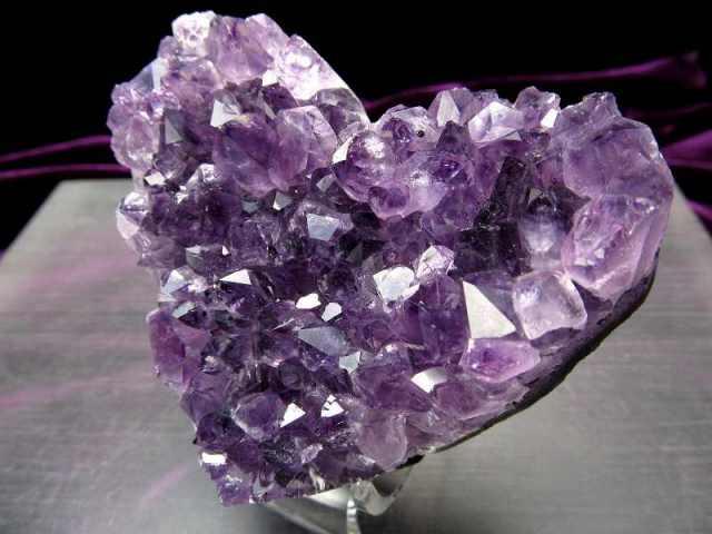 4A アメジスト ハート型クラスター 最大幅約80mm 重さ183g 極上 美麗パープル&美結晶 愛の守護石 紫水晶 1点物 ウルグアイ産