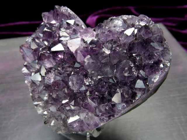 4A アメジスト ハート型クラスター 最大幅約71mm 重さ140g 極上 美麗パープル&美結晶 愛の守護石 紫水晶 1点物 ウルグアイ産