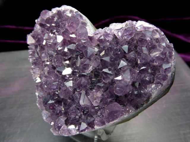 4A アメジスト ハート型クラスター 最大幅約67mm 重さ121g 極上 美麗パープル&美結晶 愛の守護石 紫水晶 1点物 ウルグアイ産