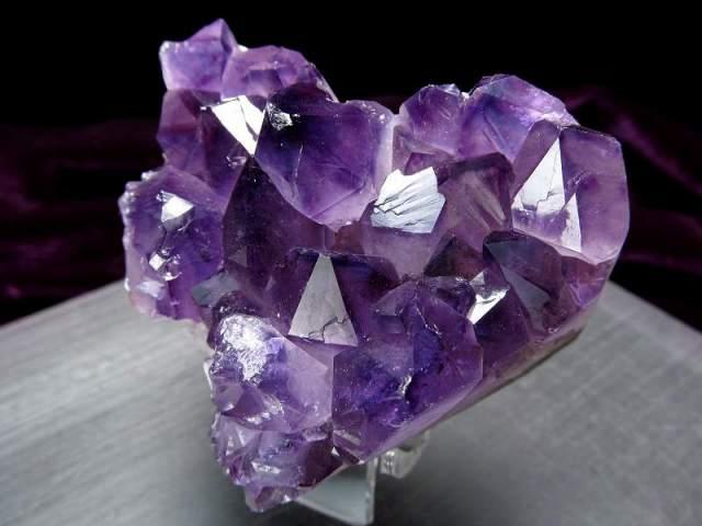 4A アメジスト ハート型クラスター 最大幅約65mm 重さ193g 極上 美麗パープル&美結晶 愛の守護石 紫水晶 1点物 ウルグアイ産