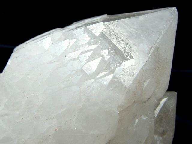 龍鱗タイプ チベット産 ヒマラヤ水晶 クラスター 重さ477g 高さ89mm クラスター 浄化用 原石 一点もの チベット産 sai