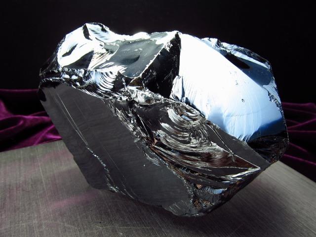 テラヘルツ鉱石 原石 最大幅95mm 472g つやつや光沢 話題の 高純度 テラヘルツ 鉱石 2020年 検査機関にて検査済み 本物保証 返品保証