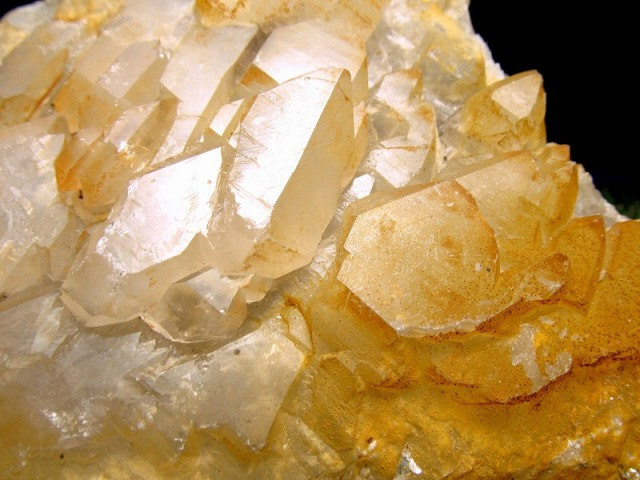 目利きに挑戦 激レア・タンジェリン ジャカレークォーツ(ワニ水晶)・カテドラルクォーツ 原石 重さ約654g 強力な癒しの力 未来や霊的能力の開花の石 一点もの スリランカ産