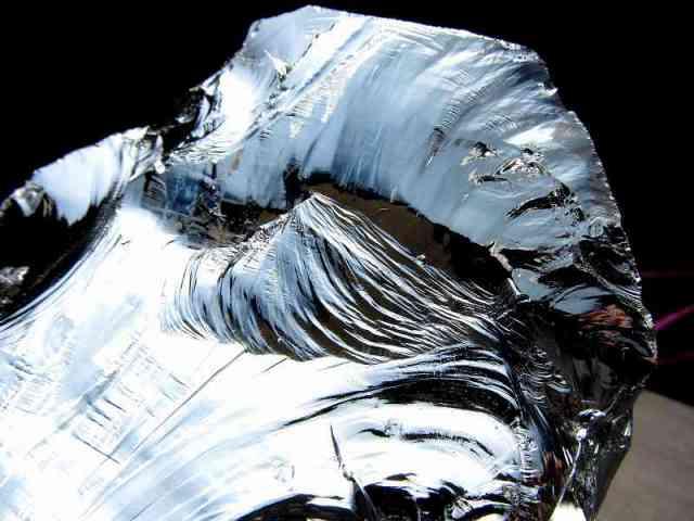 テラヘルツ鉱石 原石 最大幅132mm 重さ908g つやつや光沢 話題の 高純度 テラヘルツ 鉱石 2020年 検査機関にて検査済み 本物保証 返品保証