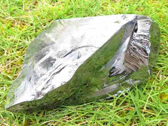 テラヘルツ鉱石 原石 最大幅116mm 重さ464g つやつや光沢 話題の 高純度 テラヘルツ 鉱石 2020年 検査機関にて検査済み 本物保証 返品保証