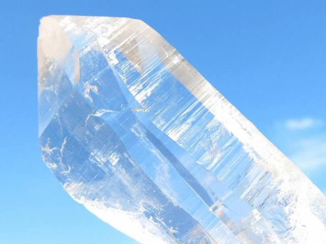 激レア サインジ渓谷産 ヒマラヤ水晶ポイント原石 重さ約97g 最大幅87mm ギャランティカード付き 『地球最後の秘境』パワースポットの最高峰 パワフルで圧倒的な浄化力 極上一点もの インド・ヒマラヤ山脈サインジ渓谷産