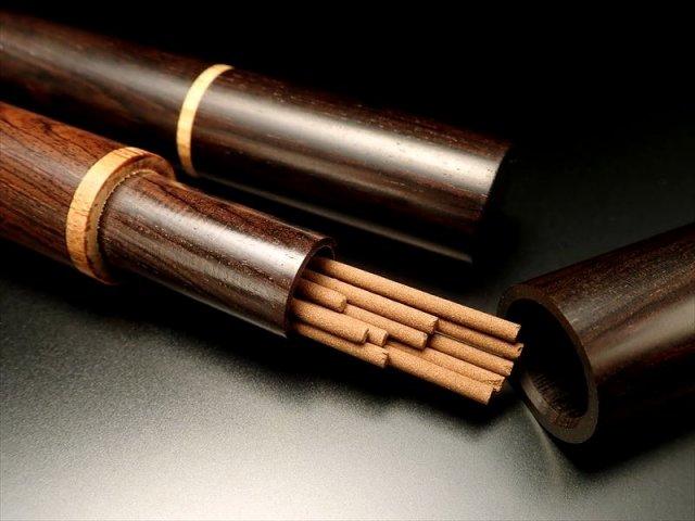 シンプルデザインお香入れ 高さ約23cm 幅約16.5mm オシャレなアンティーク調カラー ゴールドラインがアクセント お香の持ち運びにおすすめ! 木製お香入れ