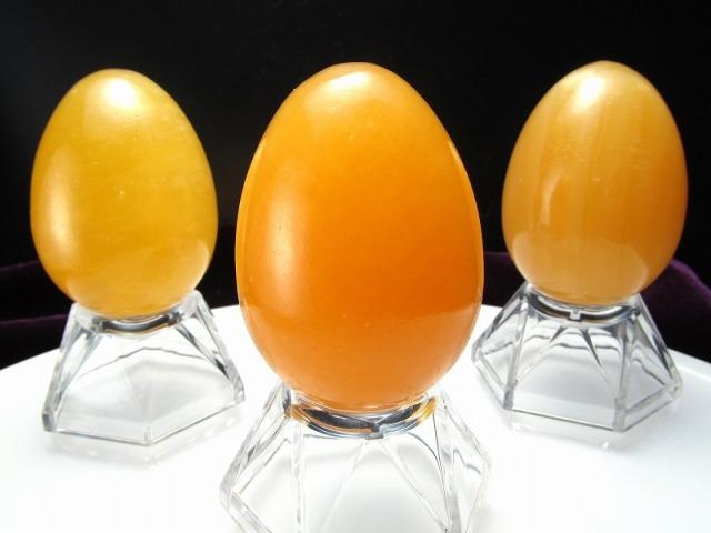 アラゴナイト エッグ型 置物 重さ約80-90g 高さ45mm前後 明るいエネルギーで人気を引き寄せる 卵型原石 大人気卵型
