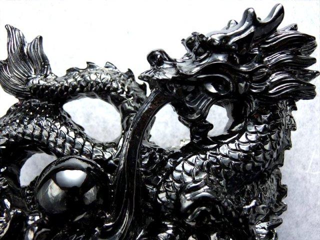 玉持ち龍神 瑠璃製 漆黒の龍置物 横幅約14.0cm 大吉開運! インテリアやお部屋のアクセントに♪