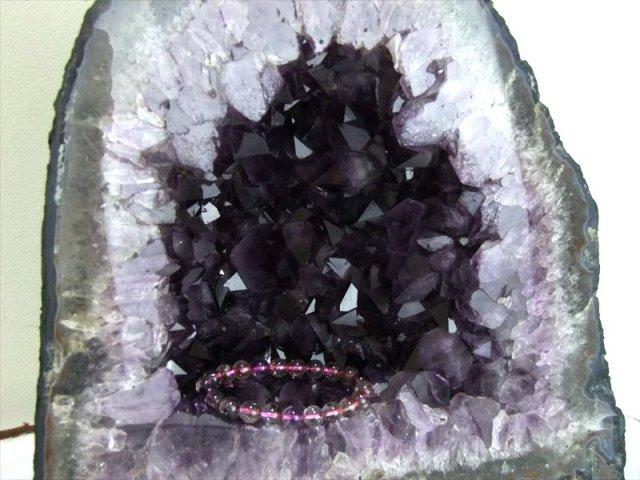 ブレスの置ける奥行き アメジスト ドーム 高さ 294mm、重さ 13.7kg 超透明紫 アメジスト原石 ブラジル産