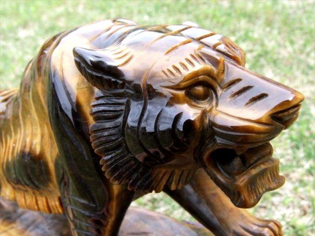 5A 稲妻シラー ワイルドタイガー(虎彫り)タイガーアイ 彫刻置物 高さ約192mm 約1166g 毛並みまで表現した彫刻 1点物 南アフリカ産
