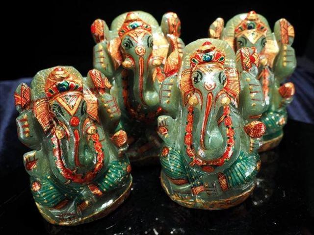 インディアンアベンチュリン ガネーシャ 彫り置物 Lサイズ 約100-130g 人気!夢を叶える象 豪華22金カラー彩色タイプ 極上手彫り彫刻 悩みや不安からの開放 あらゆる障害を跳ね除ける守り神
