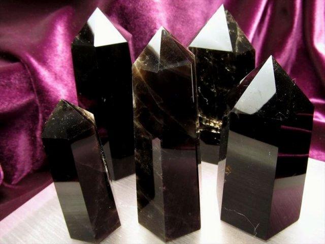 4A 黒水晶 モリオン ポイント 重さ360グラム-370グラム まとめて撮影 希少 人気ポイント 強力な邪気払い 浄化の黒い水晶 チベット産