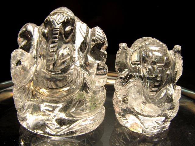 ヒマラヤ産天然水晶 ガネーシャ彫り置物 重さ10-19g あらゆる障害を除去して成功に導く守り神 1点物 超透明 ガネーシャ ヒマラヤ水晶