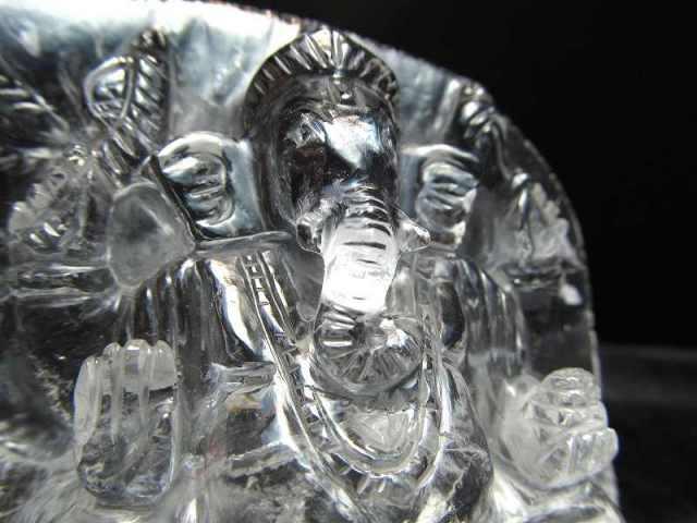 ヒマラヤ産天然水晶 ガネーシャ彫り置物 重さ199g 高さ69mm あらゆる障害を除去して成功に導く守り神 夢の実現を助ける 超透明 極上1点物 ヒマラヤ産