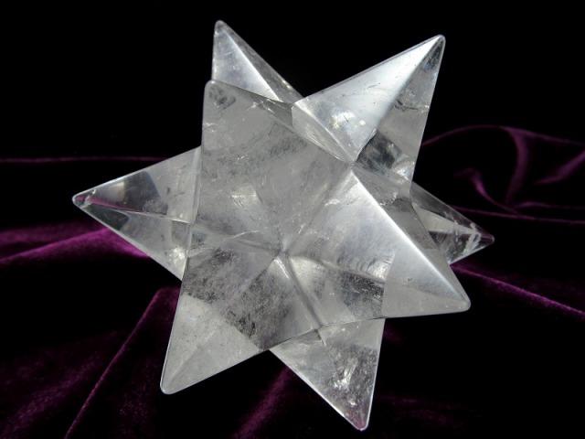 最強形状!! 天然水晶 アステロイド (小星型12面体) 最大幅約84mm 229g 虹入り 五芒星と六芒星と正十二面体を兼ね備える 精神と肉体の調整に 1点物 ブラジル産
