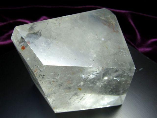 まさに氷の結晶 ロッククリスタル 不定形 天然水晶ポリッシュ 原石置物 最大幅約80mm 重さ約485g ブラジル産