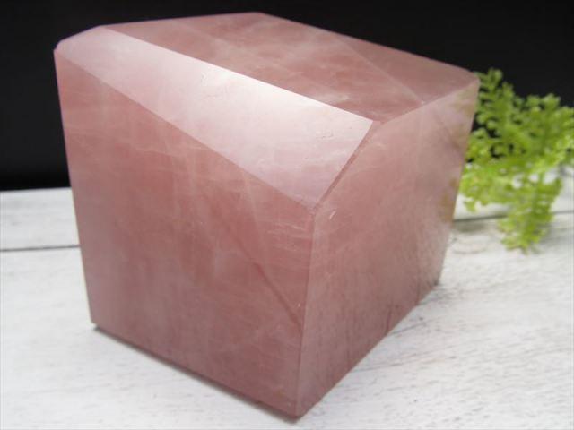 不定形 ローズクォーツ ポリッシュ 原石置物 最大幅約72mm 重さ約328g 紅水晶 パワーストーン 愛とやさしさの象徴 一点もの ブラジル産