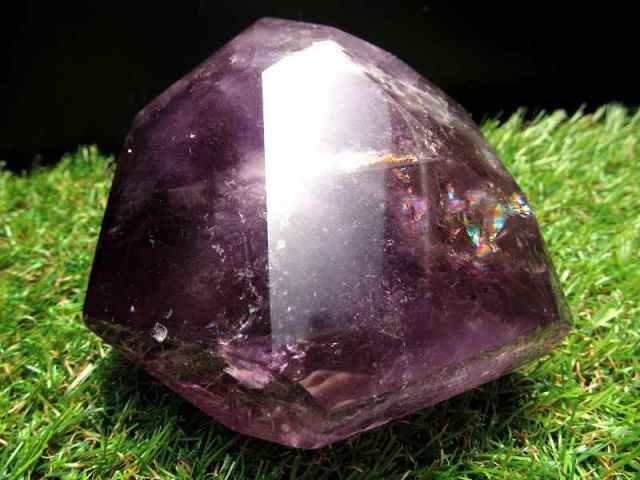超透明!濃厚発色!虹入り 不定形 アメジスト ポリッシュ 原石置物 最大幅約82mm 重さ約487g 紫水晶 美麗パープル パワーストーン 愛の守護石 一点もの ブラジル産