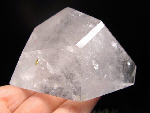 まさに氷の結晶!ロッククリスタル 不定形 天然水晶ポリッシュ 原石置物 最大幅約90mm 重さ約338g ブラジル産