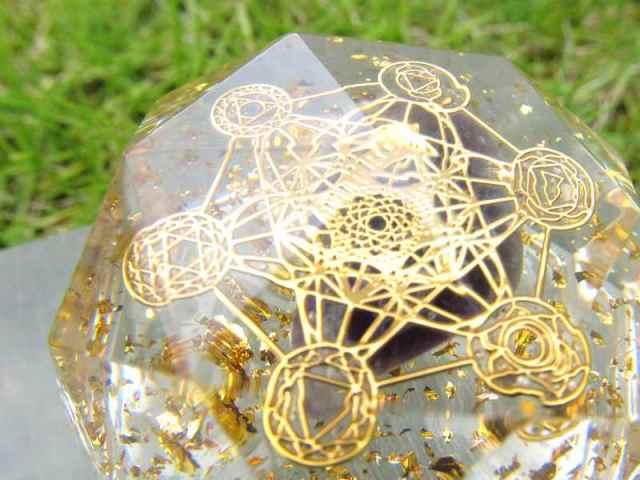 神聖幾何学系 多面体オルゴナイト (アメジストタンブル入り メタトロン) 直径約5cm 運気上昇や精神的健康の増進 風水にも