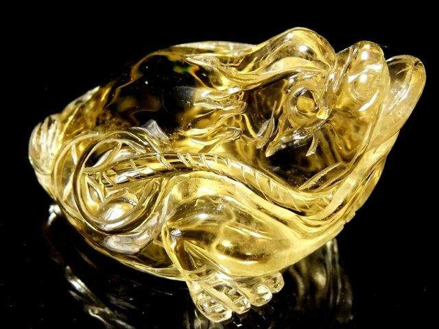 超透明シトリン 三本脚のカエル 彫り置物 重さ102g 最大幅68mm 財運を高める瑞獣 銭蛙 三本足のかえる 蛙 1点物 黄水晶
