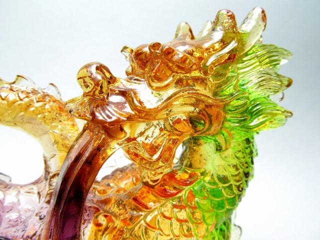 玉持ち龍神 瑠璃製 レインボーカラーの龍置物 横幅約146mm 重さ848g 大吉開運! 1点物 インテリアやお部屋のアクセントに