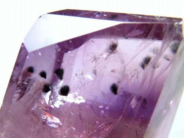 星状ロマネシュ鉱入り!超透明! 不定形 アメジスト ポリッシュ 原石置物 最大幅約52mm 重さ約82g ロマネシュ鉱入り紫水晶 話題のロマネサイトインアメジスト 愛の守護石 一点もの ブラジル産