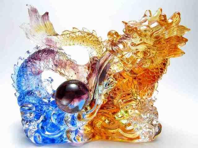 玉持ち龍神 瑠璃製 レインボーカラーの龍置物 横幅約144mm 重さ867g 大吉開運! 1点物 インテリアやお部屋のアクセントに♪