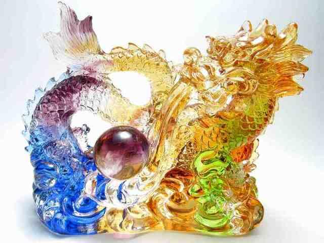 玉持ち龍神 瑠璃製 レインボーカラーの龍置物 横幅約144mm 重さ848g 大吉開運! 1点物 インテリアやお部屋のアクセントに♪