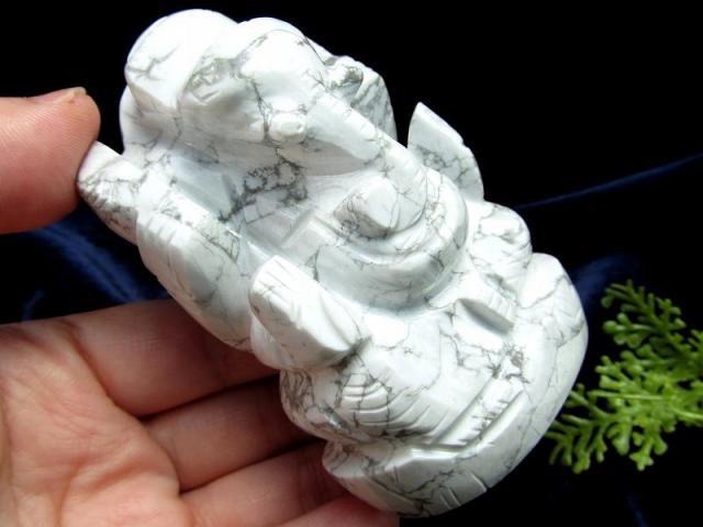 ハウライト ガネーシャ 彫り 置物 高さ約77mm 重さ196g 怒りを鎮める無垢な石 あらゆる障害を跳ね除ける守り神 ハウ石 1点物 菱苦土石