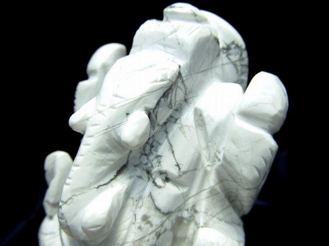 ハウライト ガネーシャ 彫り 置物 高さ約69mm 重さ163g 怒りを鎮める無垢な石 あらゆる障害を跳ね除ける守り神 ハウ石 1点物 菱苦土石