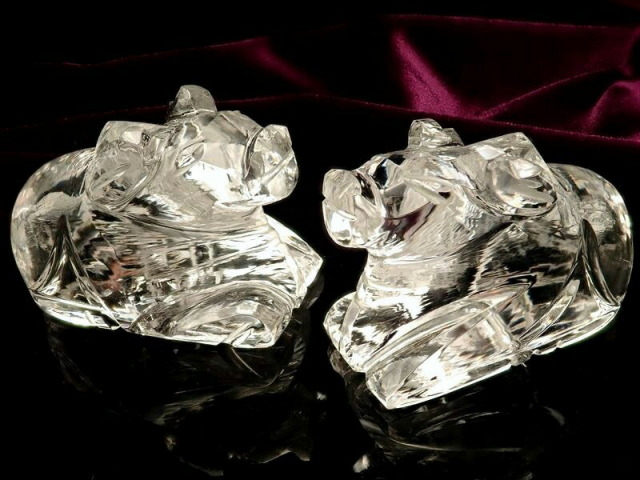 5A ヒマラヤ水晶牡牛のナンディ像 約13g-16g 超透明 極上透明ヒマラヤ水晶使用 強力な浄化作用・幸福の御守り シヴァ神の乗り物 インド産