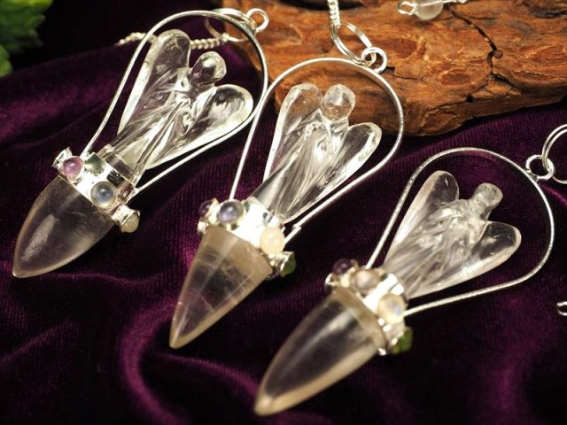 ヒマラヤ水晶 天使像付きチャクラペンデュラム 縦約60-65mm チャクラストーン7種 インド・ヒマラヤ山脈産