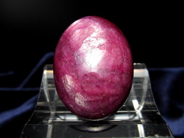 ルビー ルースタンブル 重さ12.8g 縦28.5mm 濃厚つやつや! 艶やかワインレッドカラー 世界四大宝石のひとつ カボジョン 紅玉 ナイジェリア産