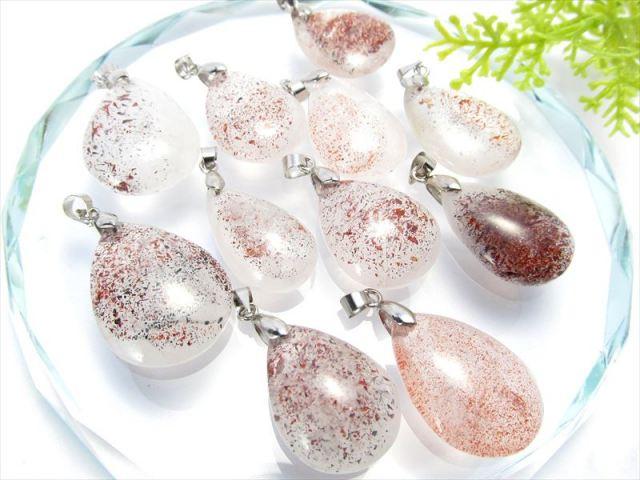 2A ストロベリークォーツ ペンダントトップ ドロップ型 重さ4-6g 苺水晶 愛と美を象徴する石 ブラジル産