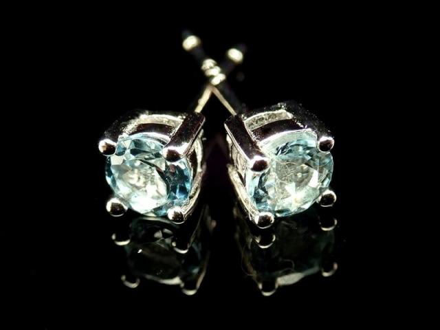 5A 宝石質アクアマリン ピアス Silver925 4つ爪 石サイズ直径約4mm クリアブルー 天使の石 ブラジル産