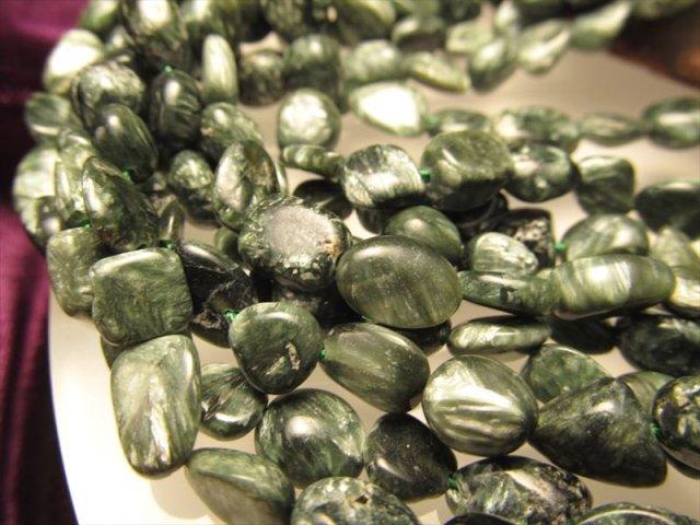 セラフィナイト タンブル 連 粒サイズ約6-8mm 一連 約40cm 高品質入荷 お買い得タンブル連 斜緑泥石