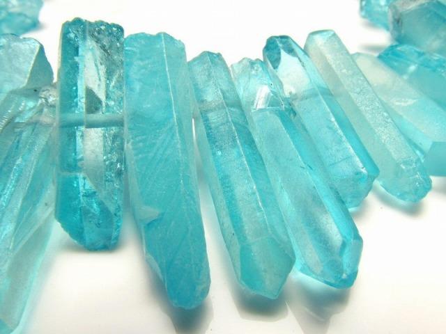 ミントブルー染色タイプ 天然水晶 ナチュラルポイント連 縦約15-30mm 約40cm 一連 クレオ穴 サイズグラデーション