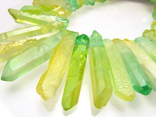 イエローグリーン染色タイプ 天然水晶 ナチュラルポイント連 縦約25-45mm 約40cm 一連 クレオ穴 サイズグラデーション