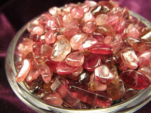 極上品質 ルベライト(ピンク トルマリン)さざれ 20グラム 浄化用 インテリアに 粒の大きさ 約2ミリ-7ミリ サザレ