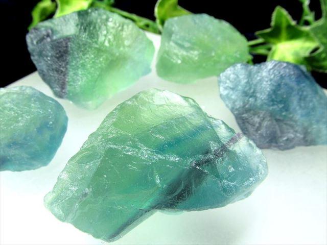 在庫あるだけ大特価 グリーン&パープル フローライト ロッククリスタル 約200g入り 4-10個入り 約3-7cm ナチュラルなラフ原石