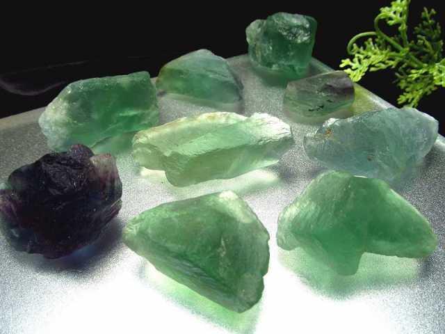 在庫あるだけ大特価 グリーン多め グリーン&パープル フローライト ロッククリスタル(小さめ) 約200g入り 9-17個入り 約2-4cm ナチュラルなラフ原石