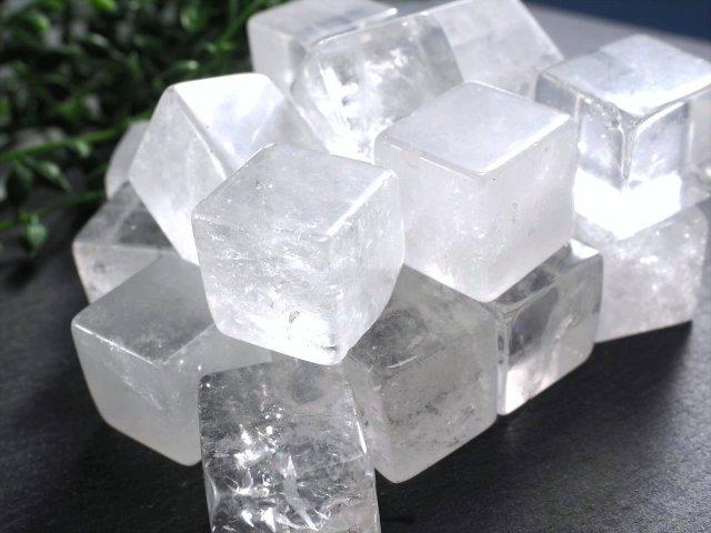 水晶(クリスタル)キューブ 詰め合わせ 300グラム 全てを浄化し活性化させる万能ストーン ブラジル産