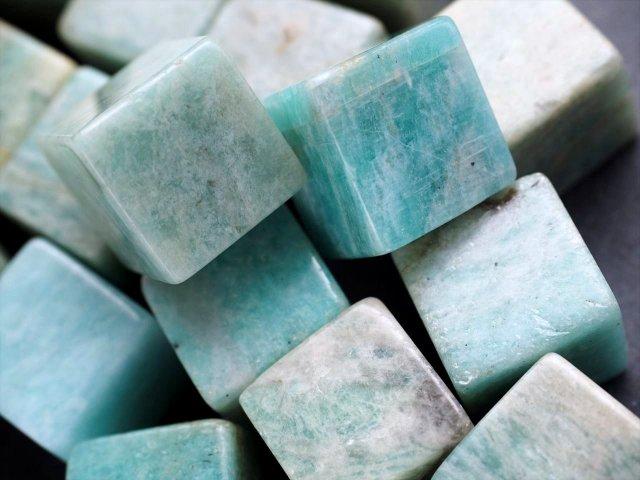 アマゾナイト(天河石)キューブ 詰め合わせ 300グラム 幸運を呼ぶ石「ホープストーン」 ロシア産