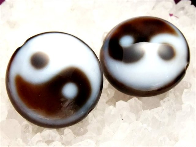 A至純天珠 陰陽太極天珠(いんようたいきょくてんじゅ) 丸板型 サイズ:φ約27ミリ 極上 天然石 ビーズ パワーストーン