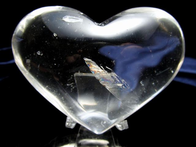 虹入り 天然水晶 ハート型 タンブル 重さ163g 純粋と浄化を象徴する万能パワーストーン 透明感抜群 ハート型タンブル 一点もの ブラジル産