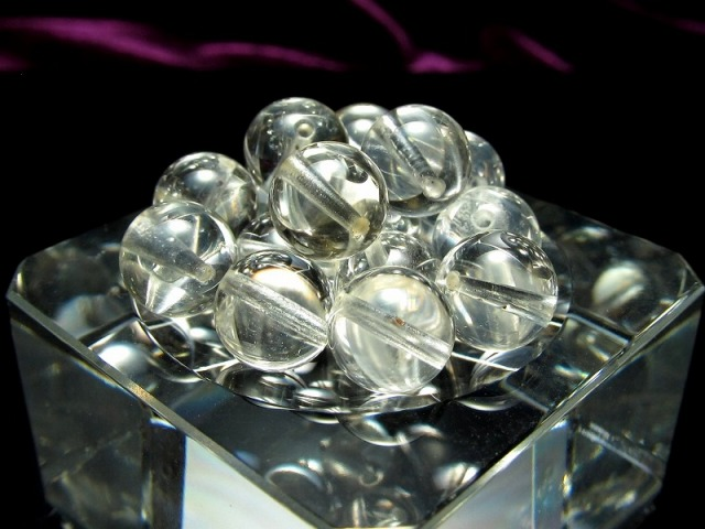 激レア 限定入荷 1粒売り 超透明 レムリアンクォーツ 約8mm珠 清らかな力をもつ全能の石 バラ売り ロシア・ウラル産